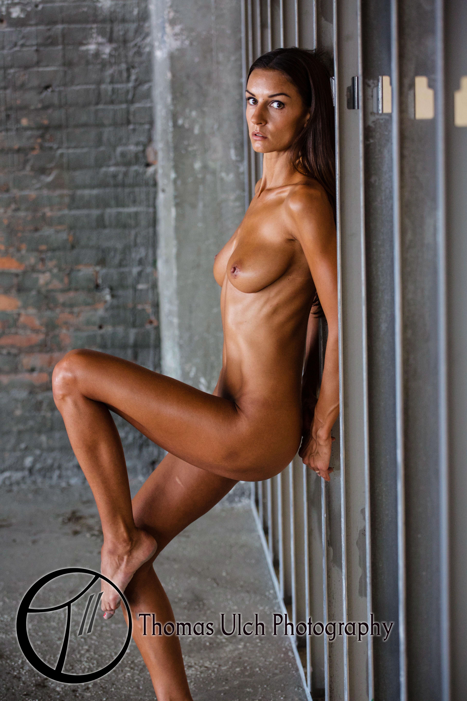 girl nude in detroit